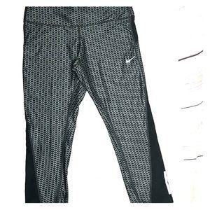 Nike dri fit activewear leggings